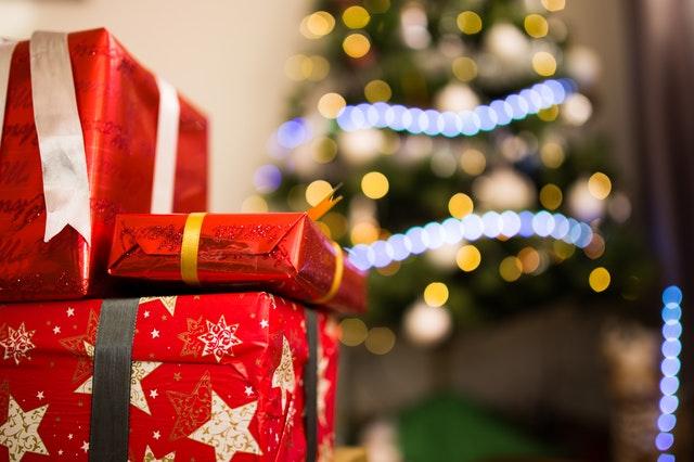 Vi køber julegaver online i stor stil
