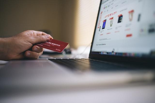 E-handel gør det mulig at skaffe alt – uden at gå hjemmefra